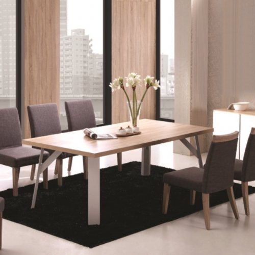 Striell Dining Set