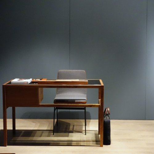Letter-N Desk