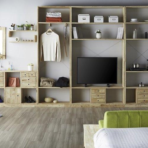 Woodwall-2x4 & 1x6 Open Shelf, Woodwall-1200 Std, HIS Mirror, L Hanging Shelf